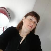 Cynthia, femme soumise de Besançon, cherche homme dominateur