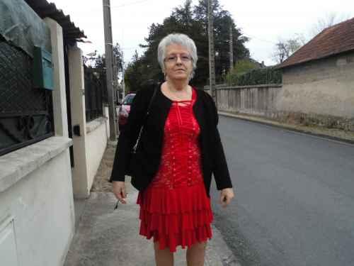 Recherche femme retraitee