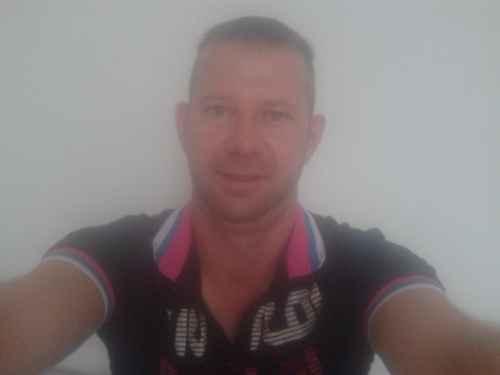 Profil de rencontre en ligne Guy timide conseils pour écrire un profil sur un site de rencontre